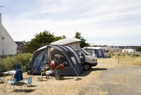 Ik ga naar de camping en ik neem mee…