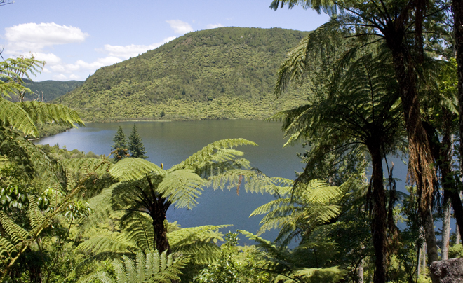 Lake Rotorua 01