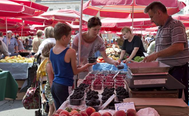 Wandelen door Zagreb met kinderen; Dolac markt