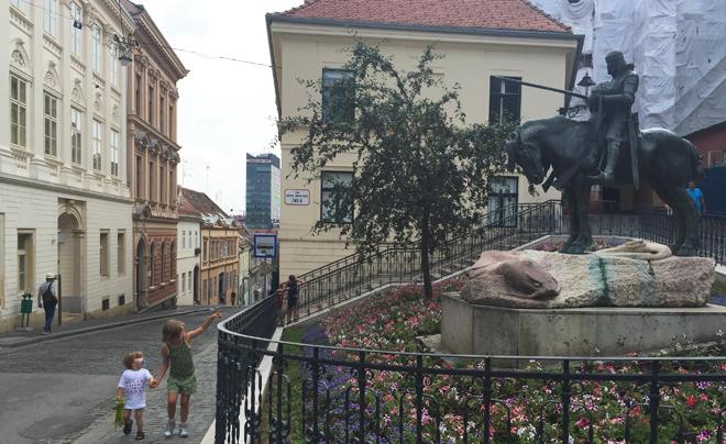 wandelen door Zagreb met kinderen; Radiceva / Stenen Poort