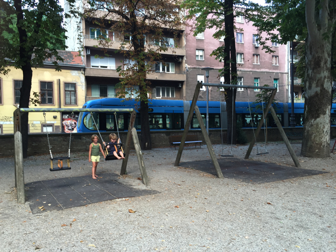 Wandelen door Zagreb met kinderen; Ribnjak park
