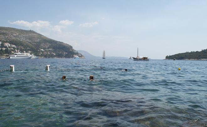 Dubrovnik met kinderen; zwemmen vanaf de pier