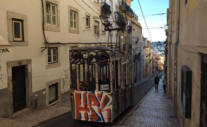 Doen in Lissabon - kabeltram