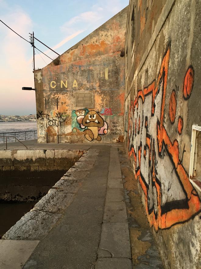 street art in Lissabon (overzijde Taag 06)