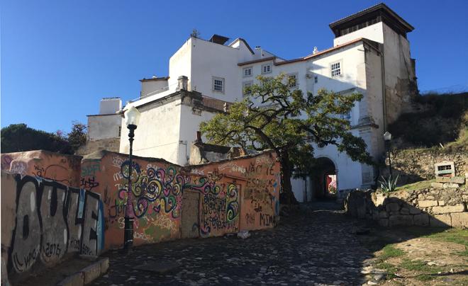 street art in Lissabon (Alfama 05)