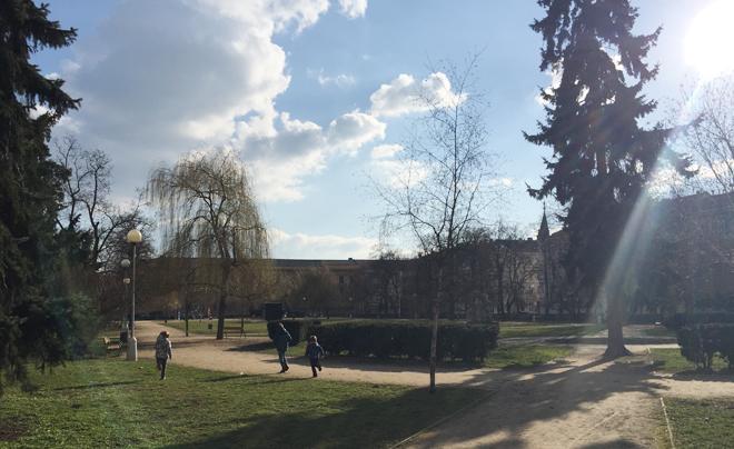 Parken in Brno - Park Nam 28 Rijna 02