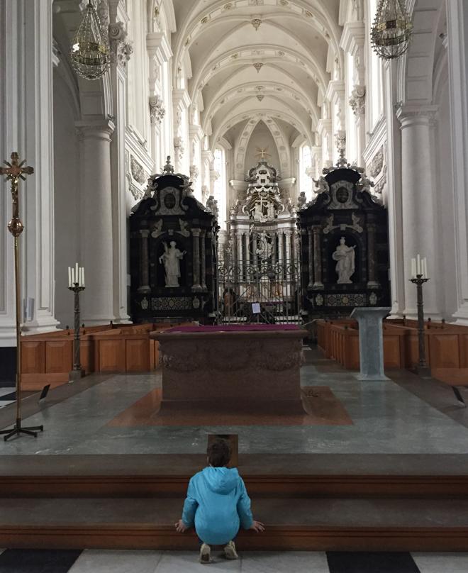 de leukste gratis activiteiten om met kinderen te doen - kerk