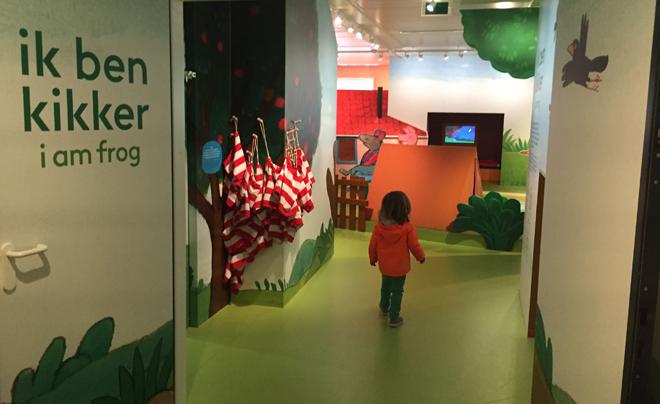 met kinderen naar het Kinderboekenmuseum in Den Haag 06