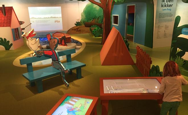 met kinderen naar het Kinderboekenmuseum in Den Haag 08