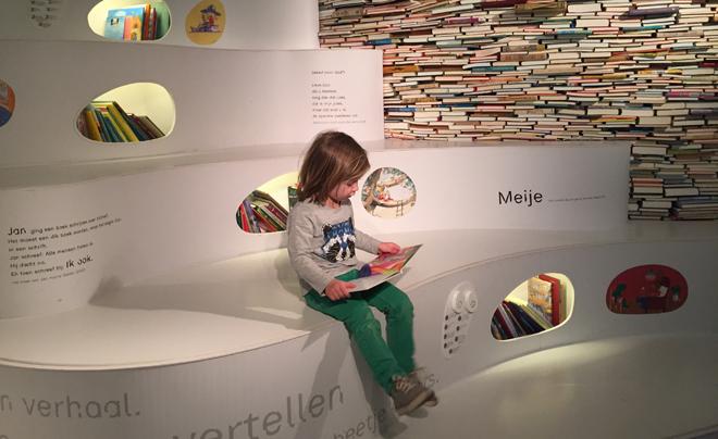 met kinderen naar het Kinderboekenmuseum in Den Haag 12