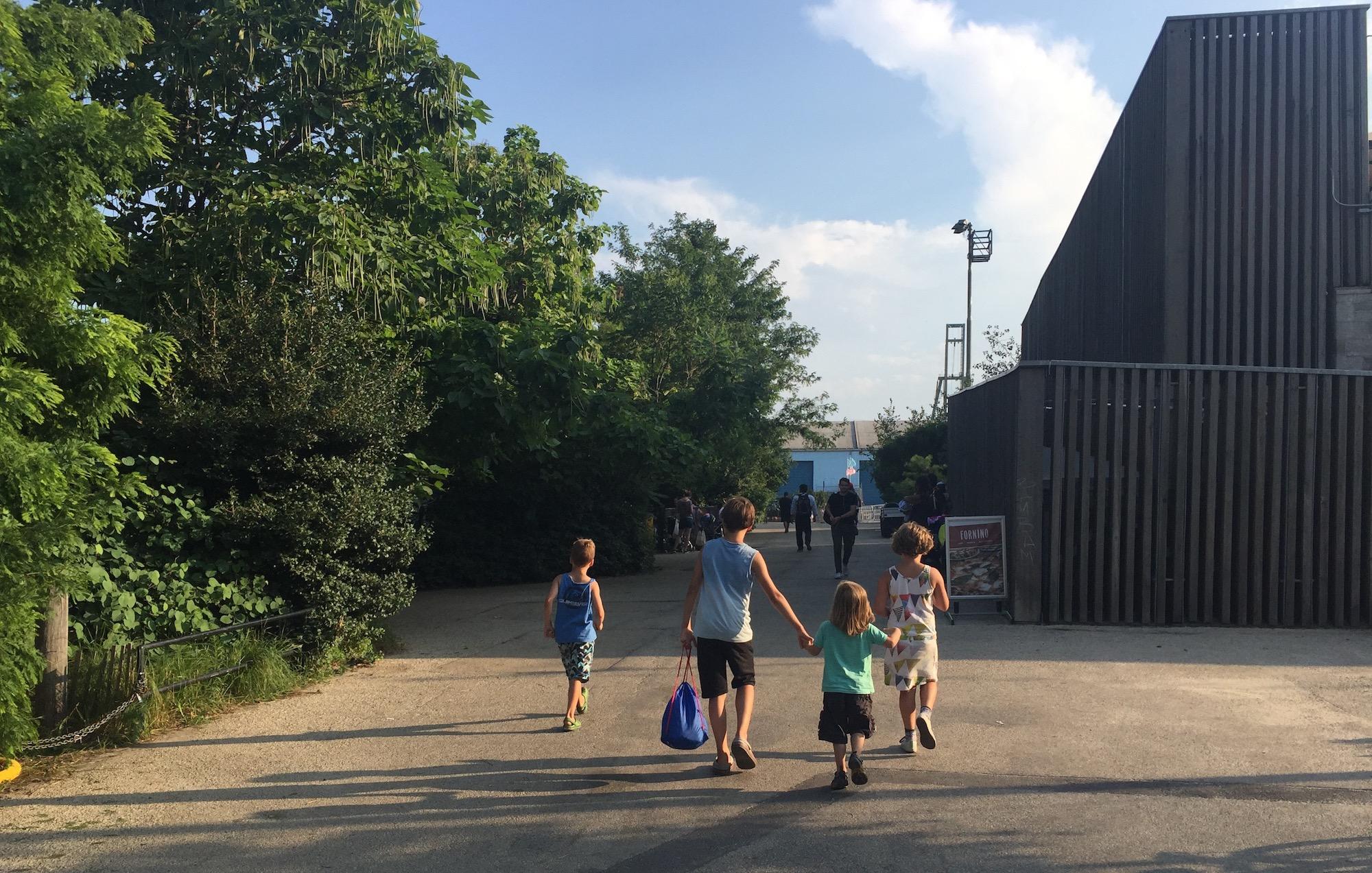 met kinderen naar het Brooklyn Bridge Park in New York 07