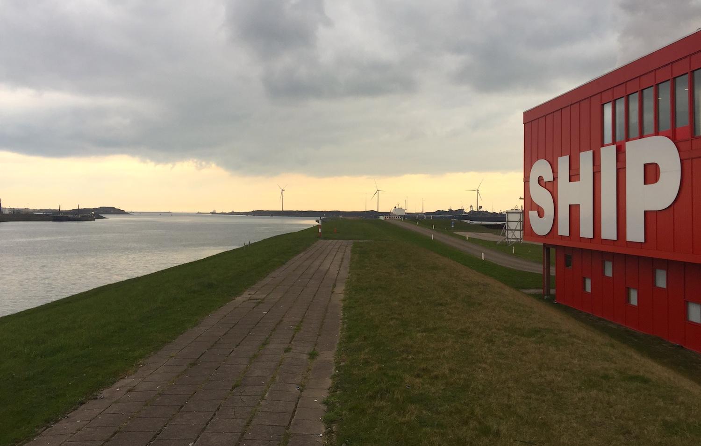 SHIP in het havengebied van IJmuiden 02