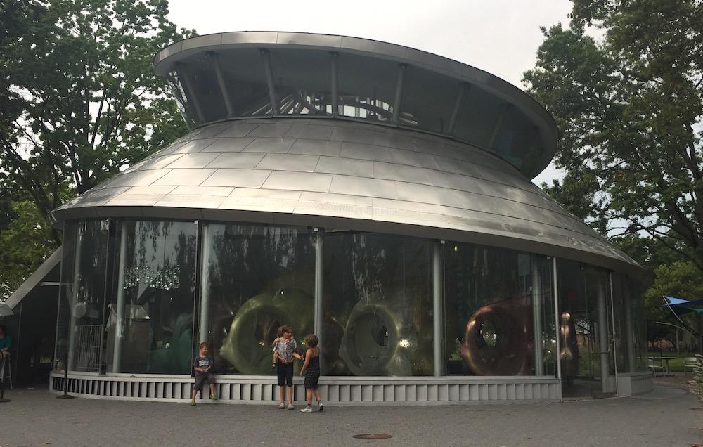 Doen in New York met kinderen - Seaglass Carousel 01