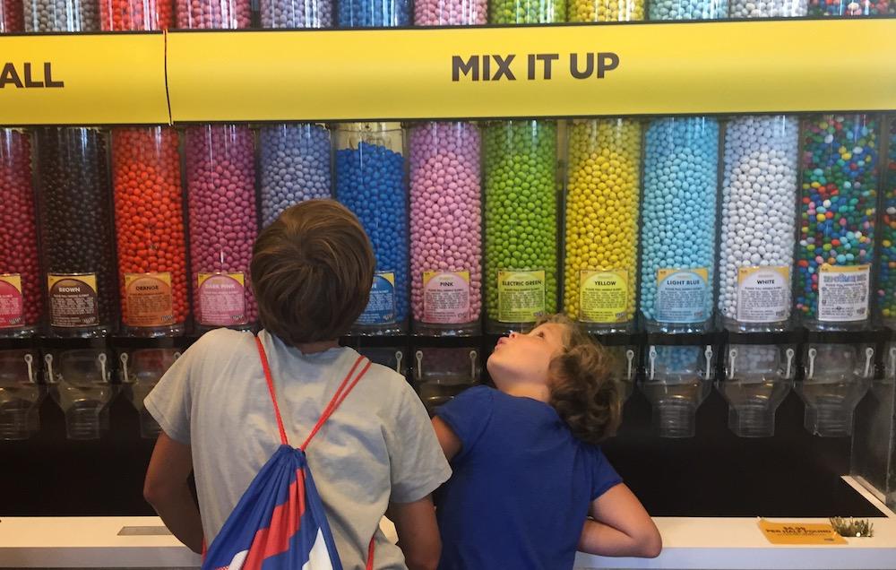 Doen in New York met kinderen - M&M Shop 04