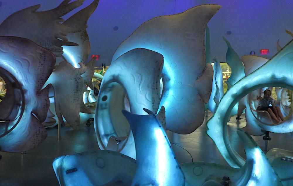 Doen in New York met kinderen - Seaglass Carousel 03
