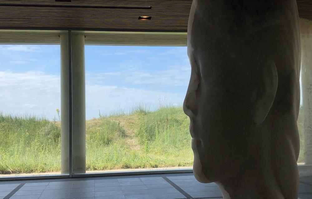 beelden van Jaume Plensa Scheveningen 04