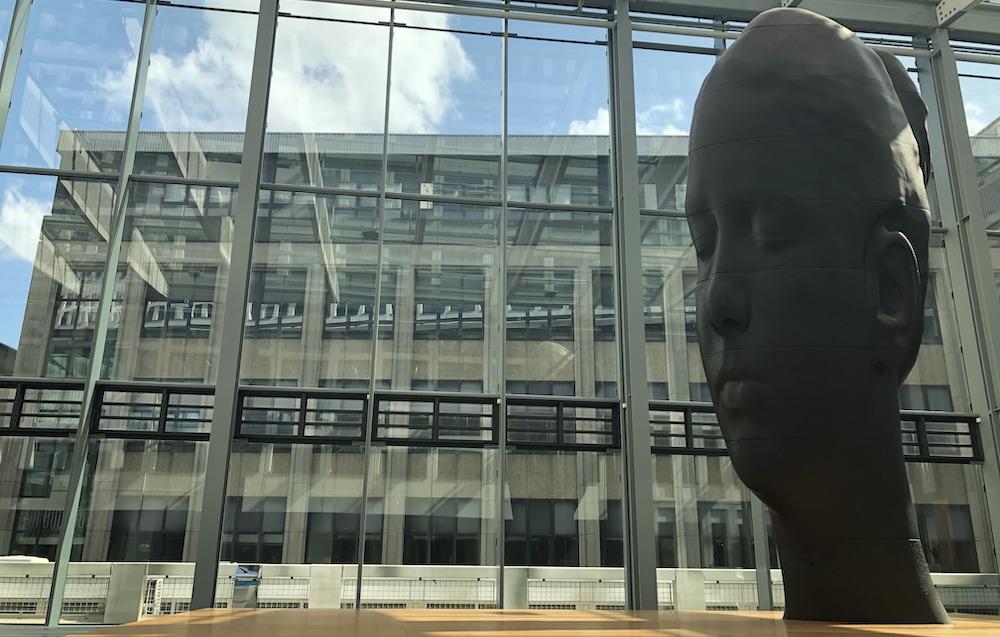 beelden van Jaume Plensa Rotterdam 01