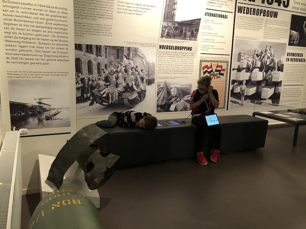 Met kinderen naar Museum 40-45 in Rotterdam 08