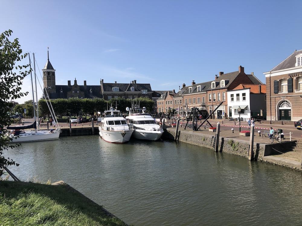 Stadswandeling door vestingstad Willemstad 06